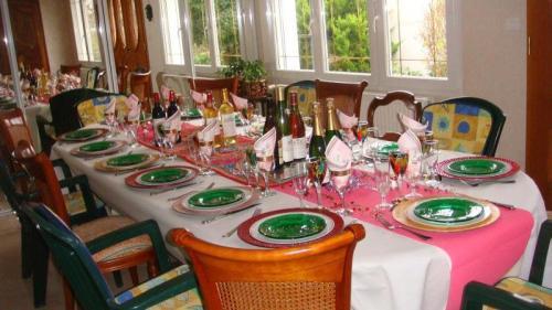 La table avec tous les vins - Photo: Minh Nguyet