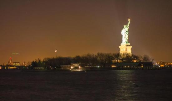 New York - Statue of Liberty - Photo: Trong Hoang
