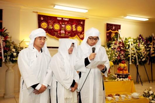 Chúng  con Lê Thanh Trung và Lê Quốc Việt, xin đồng cảm ơn.