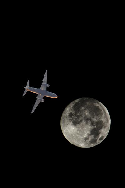 plane&moon_4_r